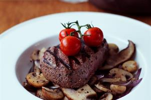 Seared Fillet Steaks with Mushroom Saute